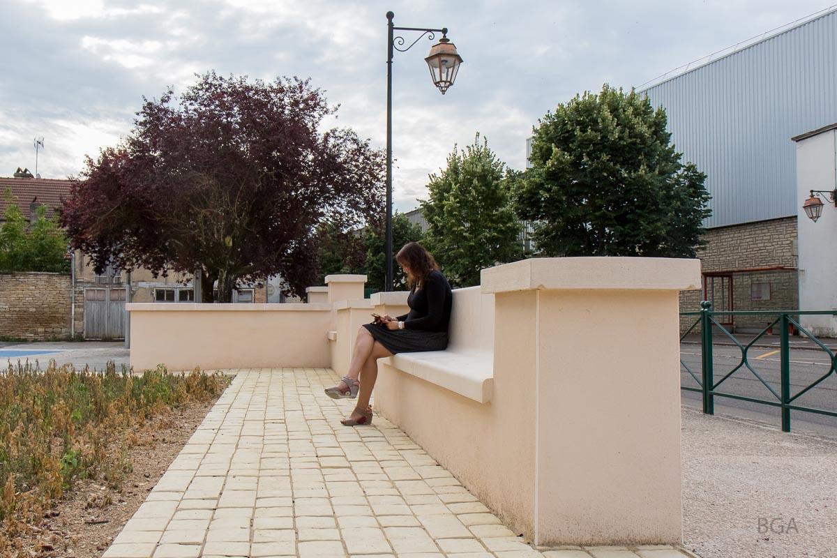 Alentour crée une nouvelle gamme de Mobilier Urbain en pierre reconstituée et béton décoratif