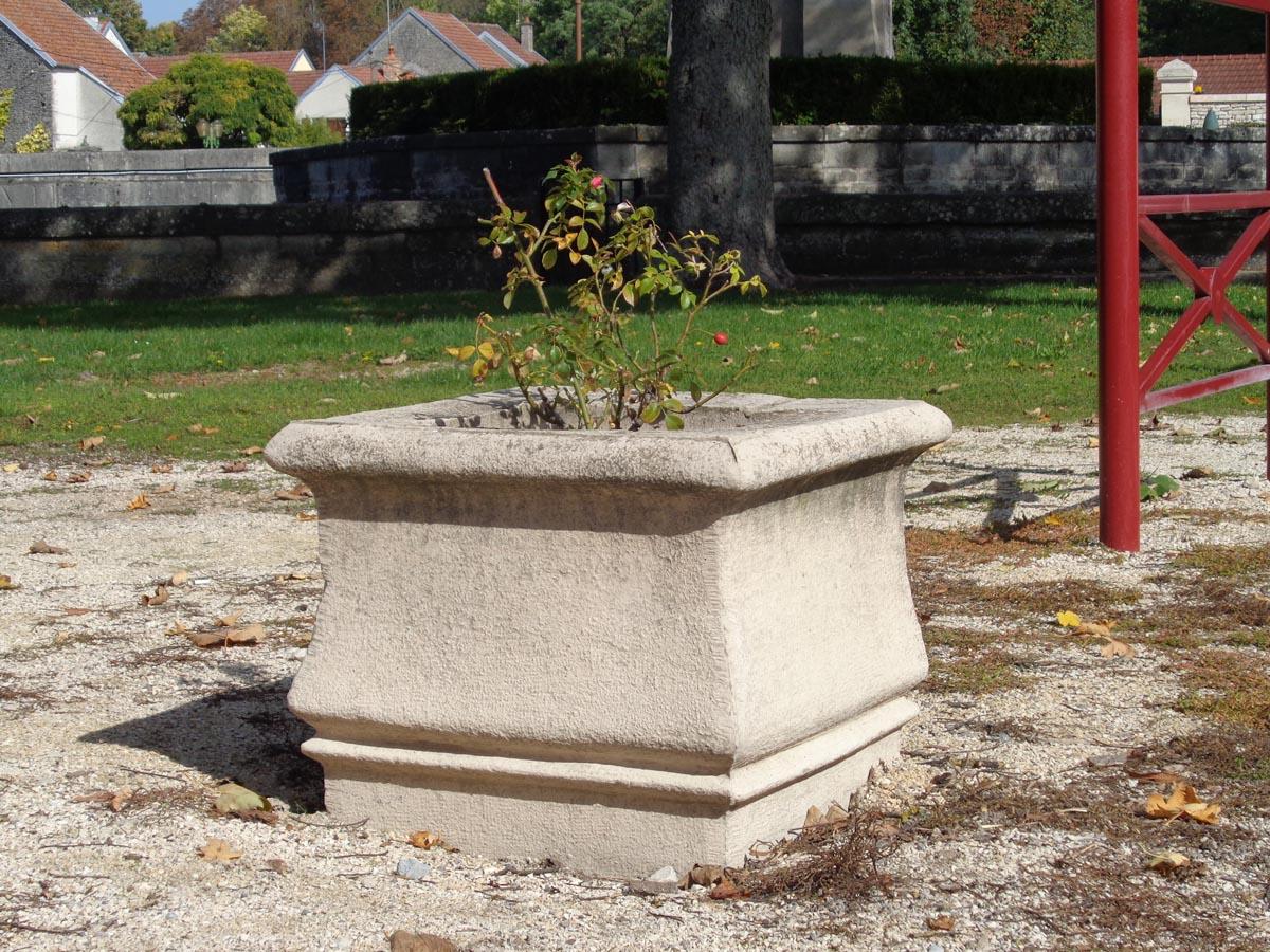 auge-jardin-rustique-pierre-bourgogne-moulee-m-3