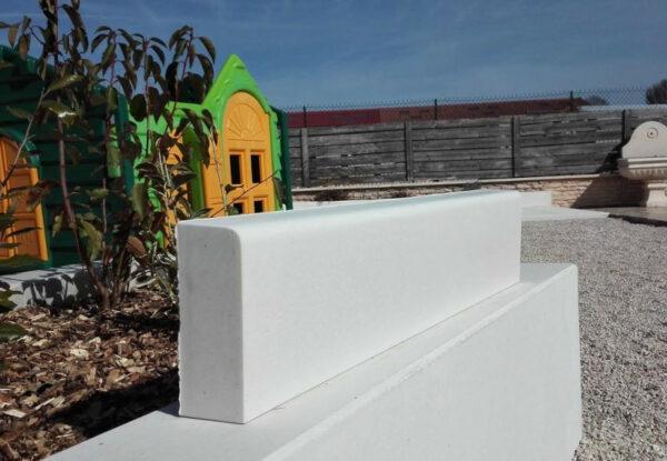 mur monobloc blanc