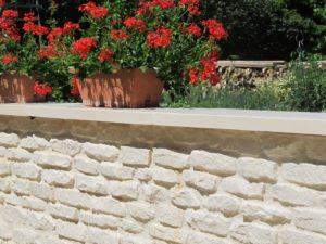 murets de cl ture droits monobloc pr fabriqu s en b ton aspect pierre
