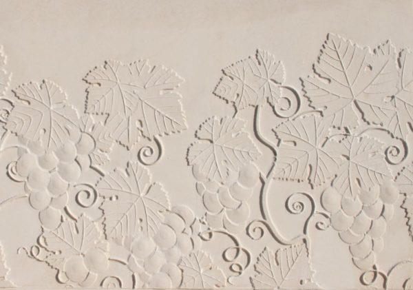 Élément préfabriquée pour mur de soutènement, muret béton en L, aspect décoratif Vignes.