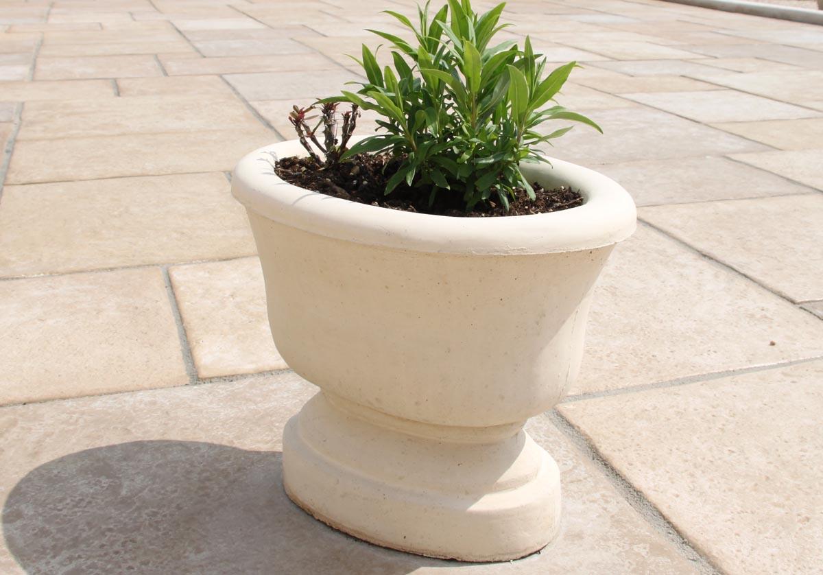 Vasque de jardin sur pied modèle 19 - www.pierre-alentour.fr