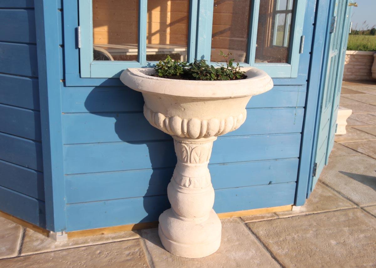 Vasque de jardin sur pied modèle 1 en pierre reconstituée
