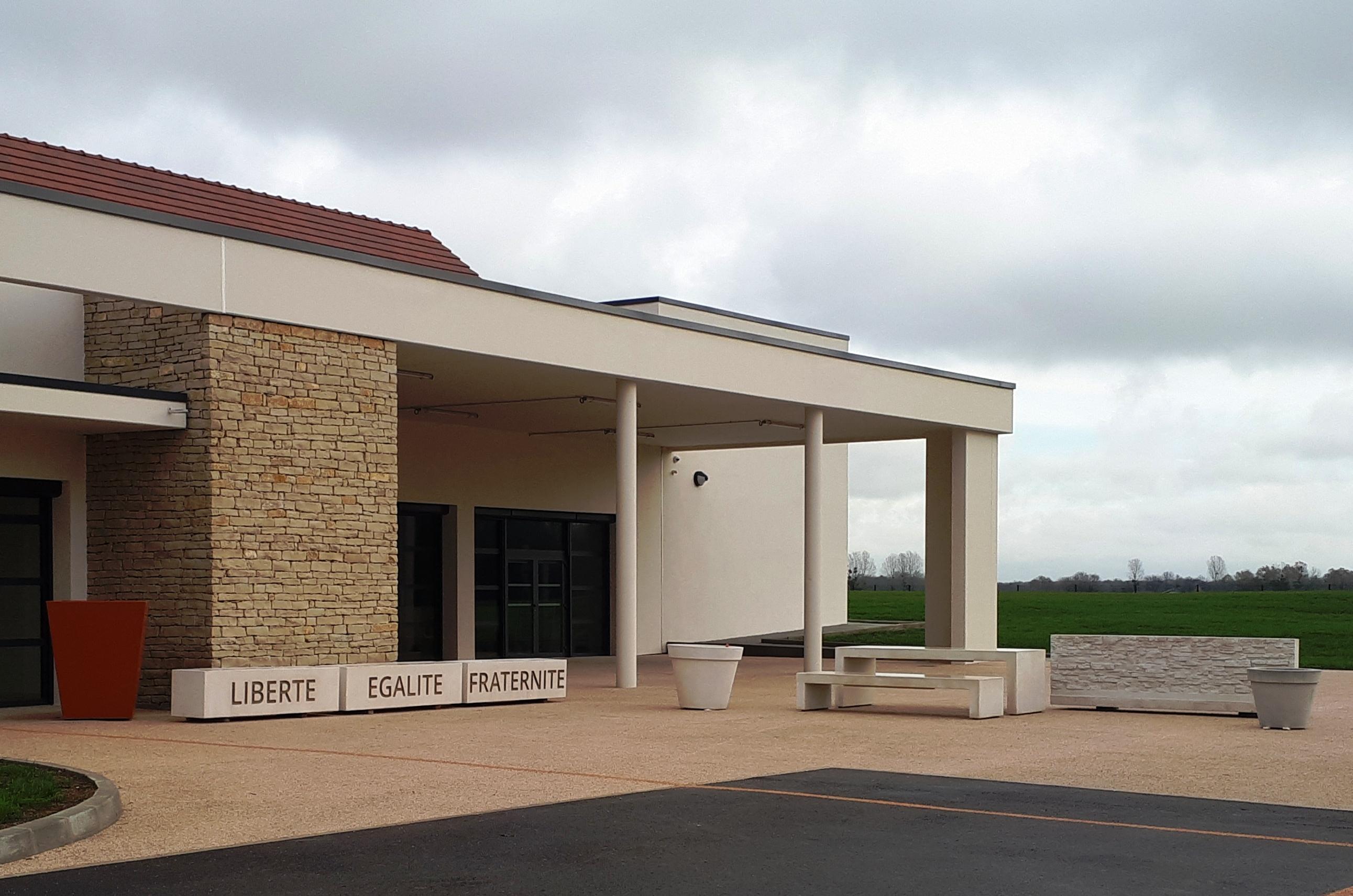 mobilier-urbain-prefabrique-beton-saint-julien-bourgogne