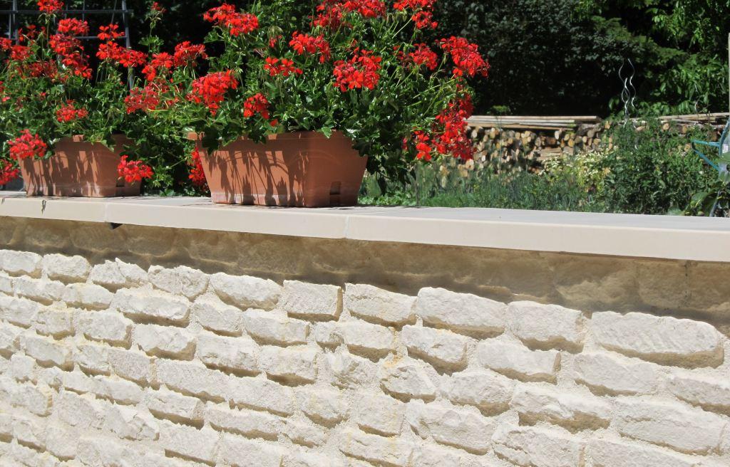 muret-clôture-monobloc-ton-pierre-bourgogne-reconstituée-réplique-ancienne-clôturer-jardin