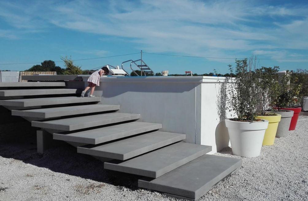 piscine-hors-sol-beton-prefabrique
