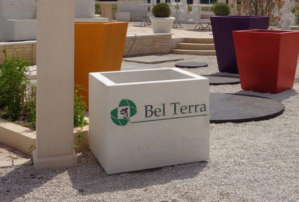 Jardinière carrée en béton préfabriqué, design sur mesure