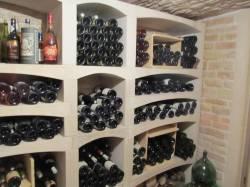 casiers-a-bouteilles-amenagement-cave-a-vin-sur-mesure-pierre-bourgogne-reconstituee
