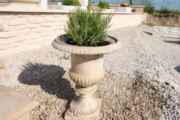 p-vase-Medicis-pierre-reconstituee-bourgogne-replique-beton-decoratif