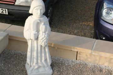 p-statuette-Saint-Vincent-pierre-bourgogne-reconstituee-replique-ancienne